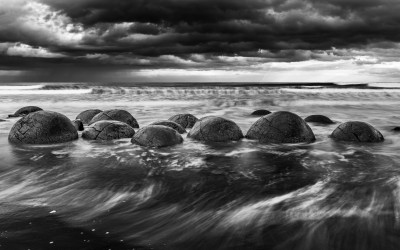 Moeraki Boulders. Nueva Zelanda.  Mención de honor en el concurso 5th Ozone International Photo